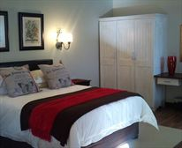 - Farmhouse Lodge Bed and Breakfast